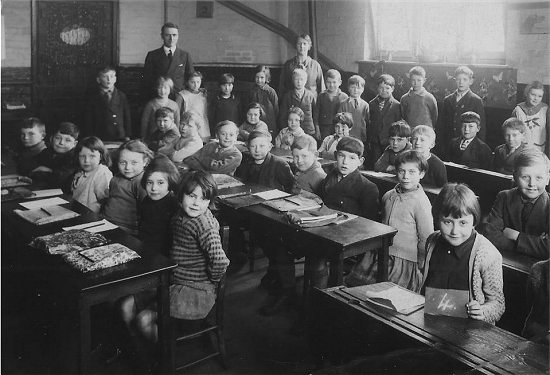 Class of 8 year olds at Wyke School 1934